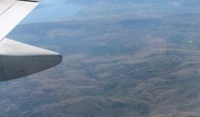 the-view-from-the-plane-window–1430368-m[1]